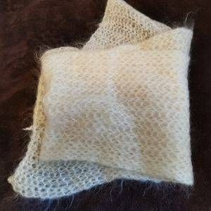 Hand made scarf, new